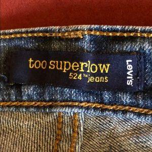 524 Levi's jeans!